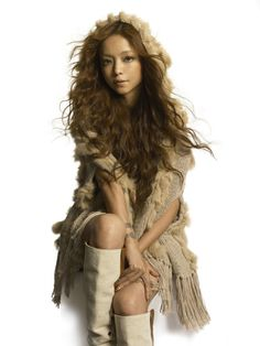 Discography / Single / 2005 - White light / Violet sauce | Namie Amuro Gallery - Toi et Moi V4