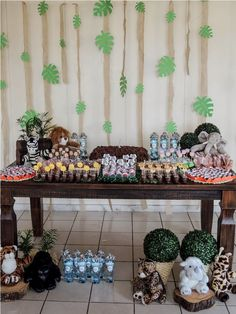 festa safari - Pesquisa Google Jungle Theme Decorations, Table Decorations, Dinosaur Train Party, Safari Party, Animal Party, Baby Shower, Birthday, Diy, Anna