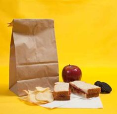 Stop Boring Brown-Bagging with These Easy #Healthy #Lunch Ideas  www.mommylivingthelifeofriley.com