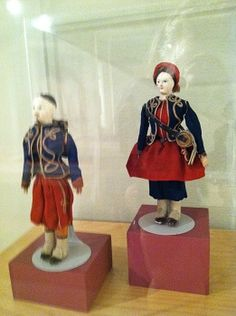 Loyal Hearts of Illinois exhibit at the Illinois State Museum. a Vivandiere doll in uniform. Inspiration for Maggie Malone of Daughter of the Regiment. Daughter Of The Regiment, Illinois State, Ag Dolls, American Civil War, Antique Dolls, Army, Peach, Feminine, Africa