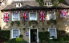 The Witney Hotel, Witney, Oxford, Oxfordshire, England. Holiday, Break, relax, Breakfast, Luxurious, Peaceful, Stratford upon Avon, Burford, Bourton on the water, Stroud, Cheltenham.