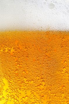 Close macro image of glass of beer , – Brewing Equipment Sick Drawings, Beer Background, Beer Images, Bubbles Wallpaper, Lock Screen Backgrounds, Golden Texture, Photography Backdrop Stand, Supreme Wallpaper, Oktoberfest
