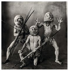 Three Asaro Mud Men, New Guinea, 1970 Photo Irving Penn