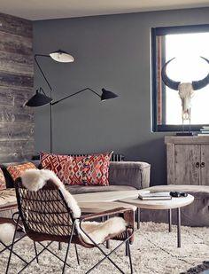 murs de couleur gris anthracite, plan de travail gris anthracite