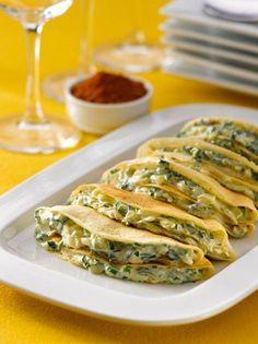 Crepes with Cream Spinach - Recetas vegetarianas - Spinach Recipes, Veggie Recipes, Mexican Food Recipes, Vegetarian Recipes, Cooking Recipes, Healthy Recipes, Crepes And Waffles, Creamed Spinach, Galette