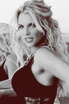 Britney Spears - Work Bitch music video