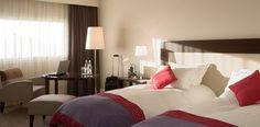 Deux lits simples dans la #chambre supérieure à l'Hotel Pullman Aeroport de Marseille | France  #France #Marseille #Hotel #Chambre #Bedroom