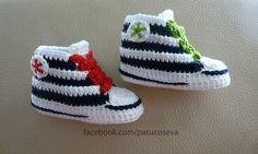 Miniconverse de crochet hechos a mano con perlé de alta calidad. Patucos de primavera/verano/otoño.Elije talla y colores!!!!Tallas: 0-3 meses (9 cm) Crochet For Kids, Sewing For Kids, Crochet Baby, Estilo Nike, Knit Shoes, Baby Sneakers, Baby Booties, Crochet Clothes, Baby Knitting