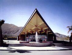 Albert Frey est l'architecture de l'une des stations-service les plus connues au monde pour son design: la Tramway Gas Station. Datant de 1965, la ville de Palm Springs a récemment décidé de reconvertir ce bâtiment iconique en Office de Tourisme.