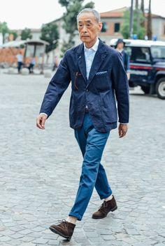 Tommy Ton Shoots the Best Street Style from the Men's Fashion Shows Der Gentleman, Gentleman Style, Moda Men, Scandinavian Fashion, Tommy Ton, La Mode Masculine, Men Street, Paris Street, Looks Style