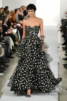 Oscar De La Renta - Runway - Mercedes-Benz Fashion Week Fall 2014
