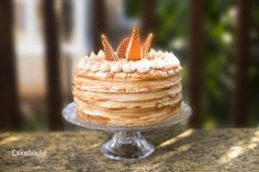 Inspired by Starbucks the Macchiato layer cake - Coffee cake, vanilla bean latte buttercream and dulce du leche caram.  Did I also mention toffee butter wafers?  Pay day cake from Cakeboule.