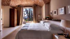 Il Salviatino en Toscane http://www.vogue.fr/mariage/inspirations/diaporama/le-top-10-des-htels-spcial-lune-de-miel-du-printemps-voyages/19429