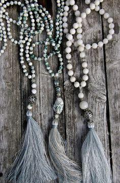 6 cose super low-cost che valgono ogni centesimo – no time for style Tassel Jewelry, Yoga Jewelry, Jewelery, Jewelry Necklaces, Beaded Bracelets, Beaded Jewellery, Beaded Tassel Necklace, Jewelry Crafts, Handmade Jewelry