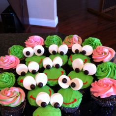 Frog cupcakes!-Must share these with Vicky for Robert's birthday...or make them for him...