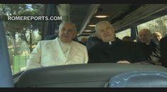 Papa en autobús: Francisco termina sus ejercicios espirituales y regresa a Roma