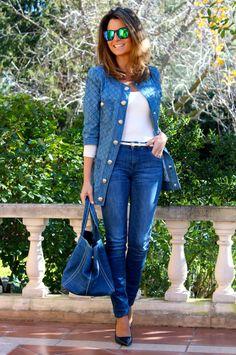 Fashion and Style Blog / Blog de Moda . Post: Sales : Denim Look / Look denim .More pictures on/ Más fotos en : http://www.ohmylooks.com/?p=26288 .Llevo/I wear: Jeans : Zara ; T-Shirt/Camiseta : H&M ; Bag/Bolso : Prada ; Sunglasses / Gafas de sol : Navarro Óptico ; Shoes / Zapatos : Zara (old)