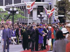 On April 30th in 1986 Prince Charles and Princess Diana left London on a flight from Heathrow Airport to Canada, to start an eight day royal visit.