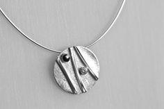 Gerelateerde afbeelding Metal Clay Jewelry, Fused Glass Jewelry, Pendant Jewelry, Silver Jewelry, Precious Metal Clay, Silver Work, Bijoux Diy, Contemporary Jewellery, Jewelery