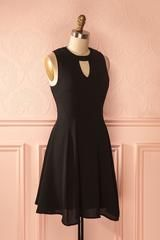 Jeynissa - Little black dress with choker-style neck