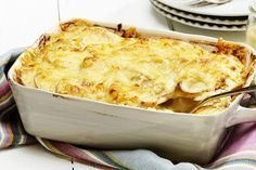 Enkel kyllinggrateng med løk og poteter Norwegian Food, Norwegian Recipes, Recipe Boards, Macaroni And Cheese, Food And Drink, Turkey, Yummy Food, Yummy Yummy, Chicken