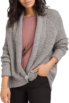 """<section class=""""productDescription""""><div class=""""product-component""""><p>Throw on the prAna Women's Cider Cardigan on a cool fall day for casual style that keeps you cozy. This sweater is made with a chunky knit design that is soft and helps you stay warm when a chill creeps in. The foldover ribbed collar and single button front closure combine for a relaxed look that's easy to take on and off.</p></div><div class=""""product-component""""><h3>Fit</h3><ul><li>Relaxed fit cardigan</li><li>Foldover rib col Quick Knitting Projects, Womens Fashion Casual Summer, Grey Cardigan, Fall Wardrobe, Knitting Designs, Sweater Weather, Knit Patterns, Crochet Clothes, Sweaters"""