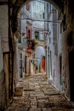 Ostuni, Puglia - Italy I'm in love with Italy! Architecture & beauty! #ItalyVacation