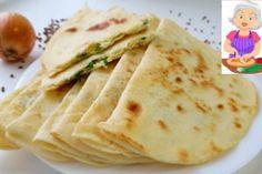 Langoși la cuptor – o rețetă simplă și delicioasă! - Retete-Usoare.eu Bacon, Bread, Ethnic Recipes, Food, Youtube, Eat Lunch, Cooking Recipes, Kochen, Essen