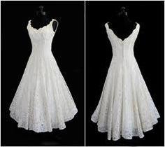 Znalezione obrazy dla zapytania suknia ślubna z gipiury na tiulu