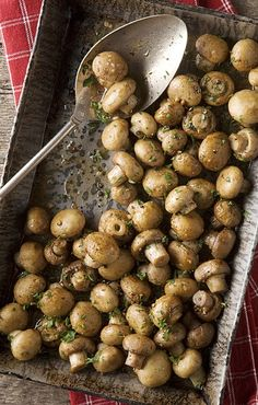 cant wait to make these oven roasted mushrooms with butter garlic and parsley! perfect side dish for Easter dinner.