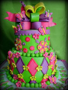Butterflies Birthday Cake - Is that icing glittery? I want this for my birthday! Crazy Cakes, Fancy Cakes, Pretty Cakes, Cute Cakes, Beautiful Cakes, Awesome Cakes, Beautiful Life, Take The Cake, Love Cake