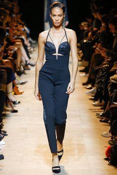 Mugler Fall 2017 Ready-to-Wear Collection Photos - Vogue Fashion Week, Runway Fashion, High Fashion, Fashion Show, Fashion Outfits, Womens Fashion, Fashion Trends, Paris Fashion, Fasion