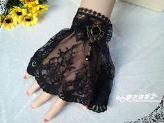 gothic-retro-court-evening-dress-accessories.jpg (500×375)