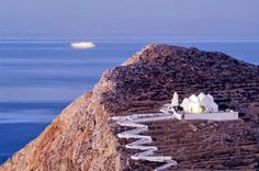 Church of Panagia on Folegandros. Places Around The World, Around The Worlds, Greece Tours, Greek House, Greek Islands, Holiday Destinations, Santorini, Athens, Travel Inspiration