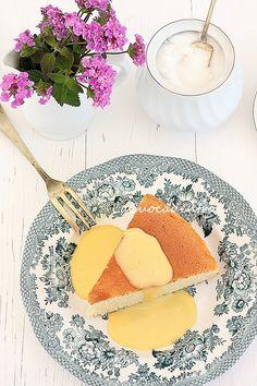 .....ovvero: torta al latte caldo di Tish Boyle, tratta da &qout;The cake book&qout;. Ringrazio Florinda, utente del forumPan per focaccia, per averla pubblicata qualche giorno fa, a sua volta l'aveva scovata nel bellissimo blog di Jessica di La ciliegina sulla torta, perchè mi ha fatto ritornar…