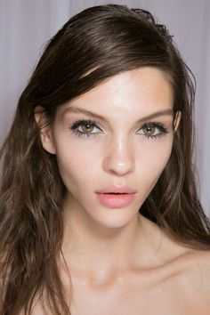 Mulberry Spring 2014 - Natural makeup with doll lashes.