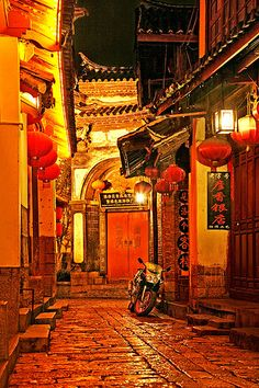 Chinese Alley Night Illustration, Japon Illustration, Night Aesthetic, Red Aesthetic, Chinese Architecture, Architecture Art, Chinese Lights, Chinese Christmas, Chinese New Year Design