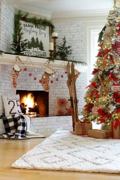 12 best christmas banquet decorations images christmas ornaments rh pinterest com