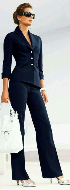 Dress for success at work or for the job interview. Classic Navy, work style… Dress for success at work or for the job interview. Business Mode, Business Outfits, Office Outfits, Business Fashion, Business Style, Business Formal, Business Wear, Sexy Business Attire, Office Attire