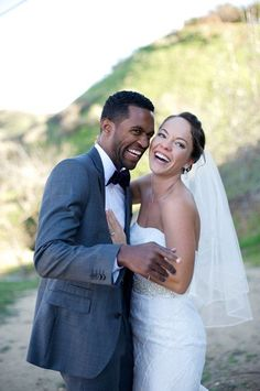 Wedding Photography Ideas : Candid laughter | Photo by davello.com