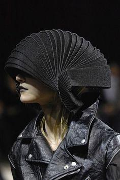 Visions of the Future // Fashion, Identity, Design, Student, Jewellery… Arte Fashion, Fashion Design, 3d Mode, Design Textile, Weird Fashion, High Fashion, Sculptural Fashion, Future Fashion, Headgear