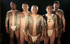 What does yakuza tattoo mean? We have yakuza tattoo ideas, designs, symbolism and we explain the meaning behind the tattoo. Yakuza Tattoo, Tattoo Man, Full Body Tattoo, Body Art Tattoos, Tatoos, Japanese Culture, Japanese Art, Ganguro Girl, Criminal Tattoo