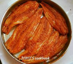 Spicy and crispy bombil Fry is a yummy fish dish and can compliment any curry or rice. Its very easy to make. It is basically fish marinated with spices and shallow fry with suji coating. This is a recipe of making yummy Bombil fry the easy way… Ingredients: 8 to 10 Bombil/Bombay duck 1 tsp red chilli powder 1/2 tsp … … Continue reading → Goan Recipes, Fried Fish Recipes, Duck Recipes, Curry Recipes, Seafood Recipes, Indian Food Recipes, Chicken Recipes, Cooking Recipes, Veg Dishes