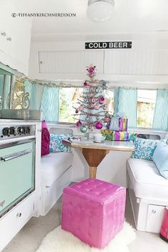 Retro Camper Kitchen..love the christmas tree too.