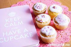 Mini Vanilla Cupcakes | Det søte liv Vanilla Cupcakes, Mini Cupcakes, Breakfast, Desserts, Snacks, Recipes, Muffins, Food, Nice