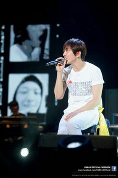 CNBLUE | JUNG YONG HWA