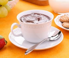 Italian hot chocolate is a luxurious and decadent treat: creamy, dense, and velvety, it's all you can ask to brighten up the cold rainy winter days Nesquick, Italian Hot, Few Ingredients, Hot Chocolate, Tea Cups, Food And Drink, Pasta, Treats, Tableware
