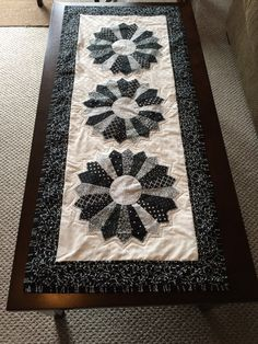Dresden Plate, table Runner, Black and White by mommomsquilts on Etsy