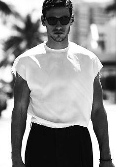 #blackandwhite #barneybarrett #barney-barrett #menswear #mensoutfit #malemodel #mensstyle