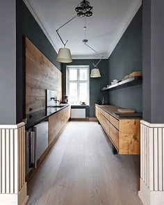 If you are having a sleek and modern theme kitchen in your house, you might need to have some of these best galley kitchen ideas. There are a lot of design ideas you can take as inspiration in this article. Interior Design Minimalist, Interior Design Kitchen, Modern Design, Room Interior, Nordic Design, Nordic Style, Apartment Interior, Bedroom Apartment, Rustic Design